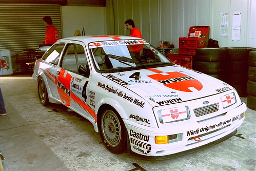 Ford sierra rs500 joachim winkelhock jeff allam in the for Garage ford perpignan nord
