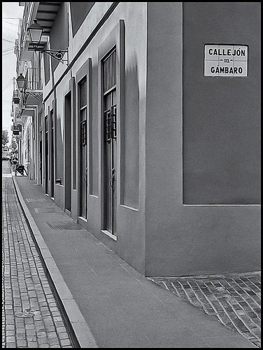 CALLEJON DEL GAMBARO Y CALLE TETUAN | by Black and White Fine Art