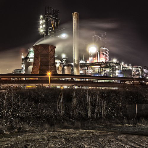 Duisburg: Qualmende Giganten / Duisburg: smoking giants | by MichaelSanderDU