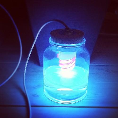 how to make a homemade blacklight