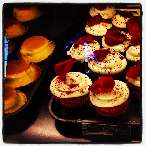 Red velvet cupcakes and flan at Porto's #burbank | by chotda