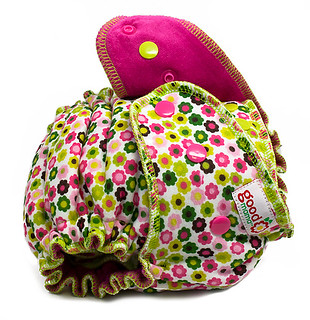 Ritsy Daisy One-Size Fitted Diaper | by thegoodmama.com