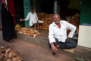 Coconut vendor on the market in Mysore | by Lars Pohlmann