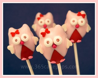 Valentine Cake Pop Owls | by 365cakepops