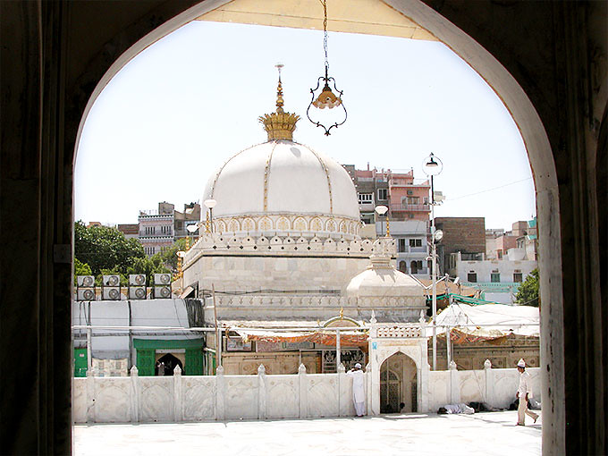A view of the holy shrine hazrat khawaja garib nawaz ra flickr a view of the holy shrine hazrat khawaja garib nawaz ra dargah ajmer altavistaventures Image collections