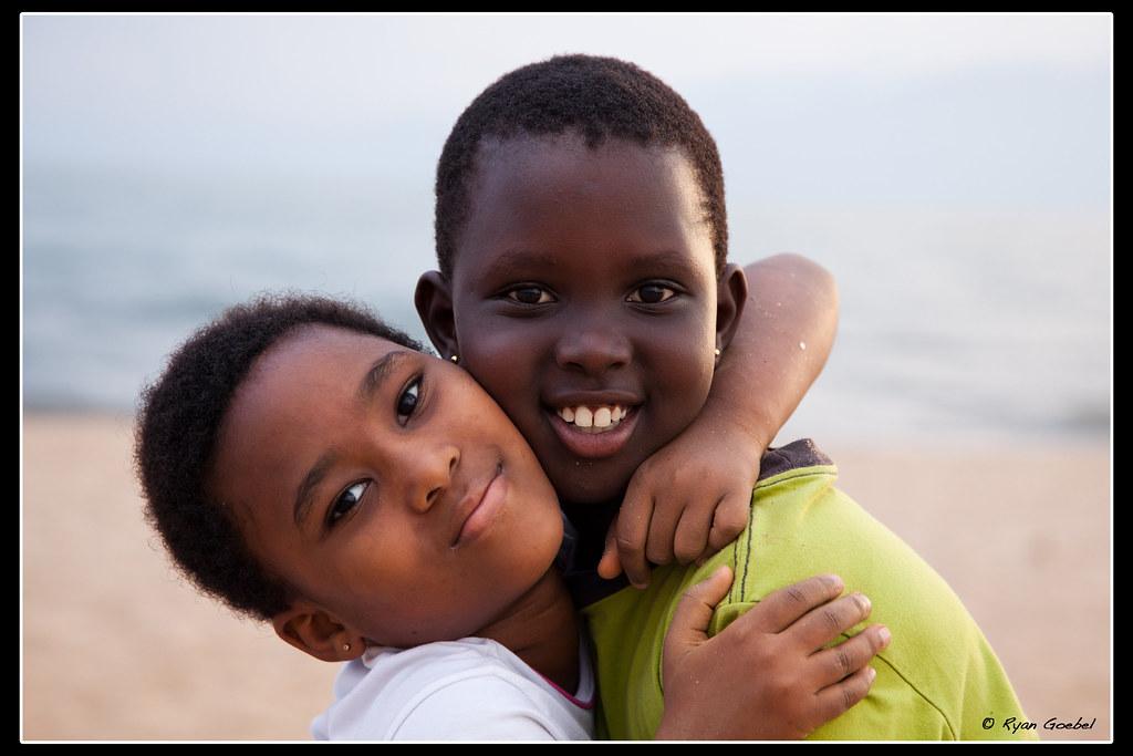 Burundi girls