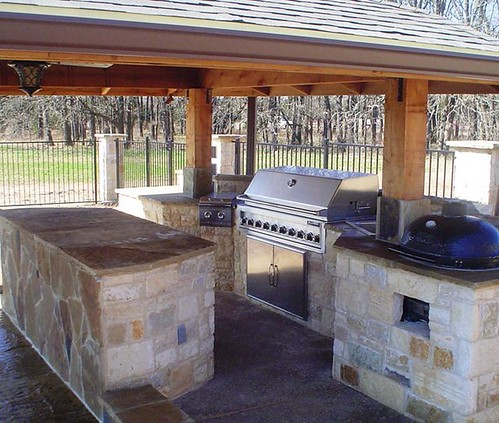Custom outdoor trends dallas outdoor kitchen with stainle for Dallas outdoor kitchens