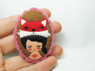 Contemporary vixen felt brooch | by hanaletters