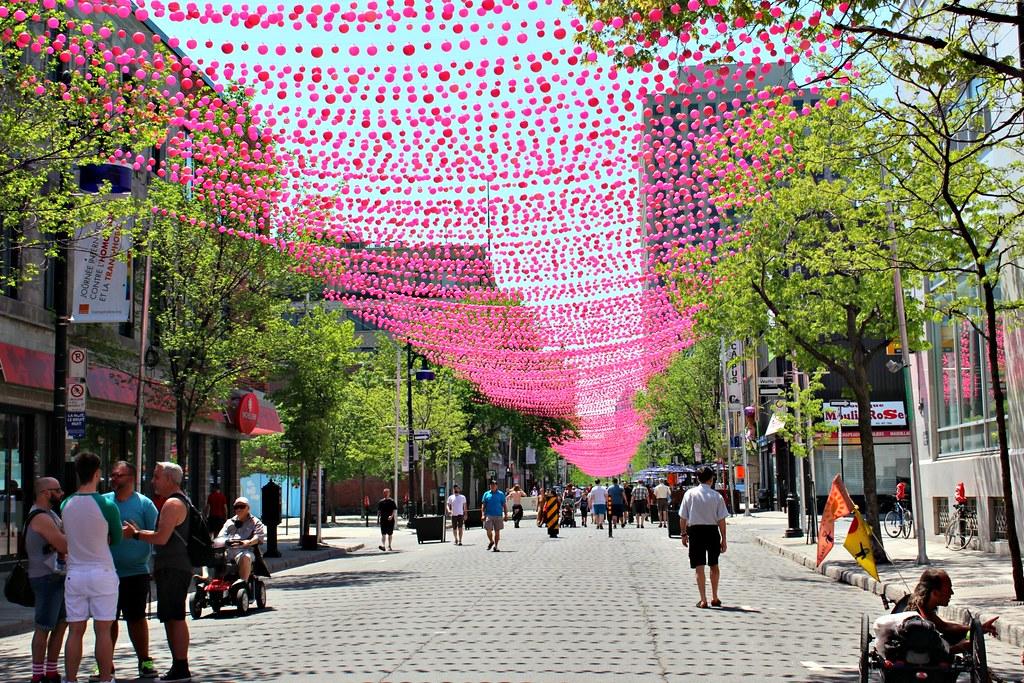 Kesäinen kuva Le Village-alueesta Montralissa, parhaat nähtävyydet Montrealissa postauksessa