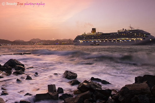 Muscat - Leaving Sultan Qaboos Port | by Beauty Eye