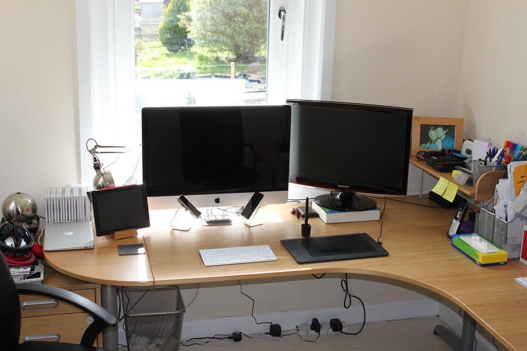 Clean desk | It took an hour of tidying and precision dustin… | Flickr
