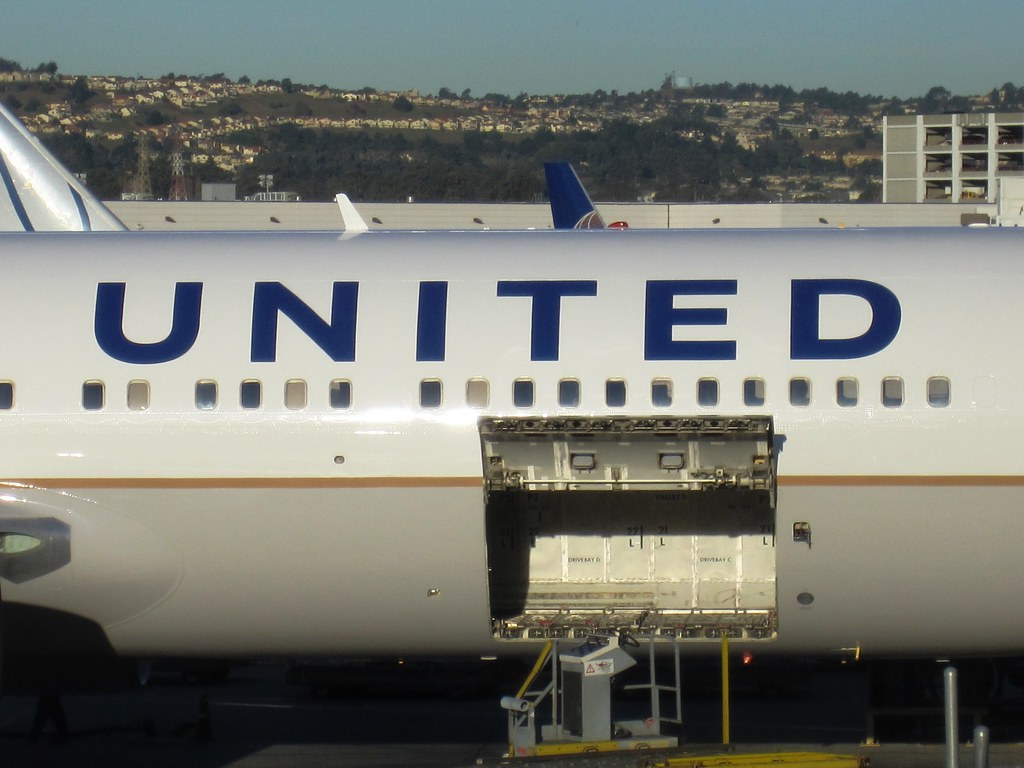 767 Doors Opening & A Close-up Of The Main Deck Cargo Compartment