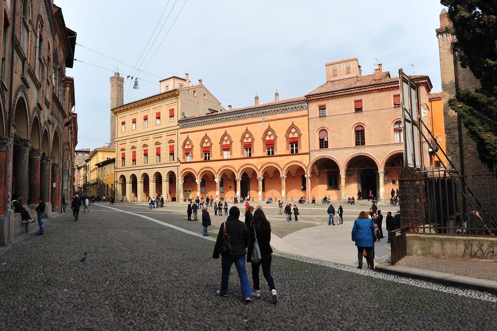 DSC_6937 Bologna - Italy, 4 marzo 2012, Piazza Santo Stefano (Piazza delle sette Chiese)