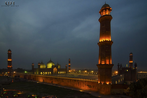 Badshahi Mosque, From Cocoos's den 15 mins after sunset | by Usman Hayat