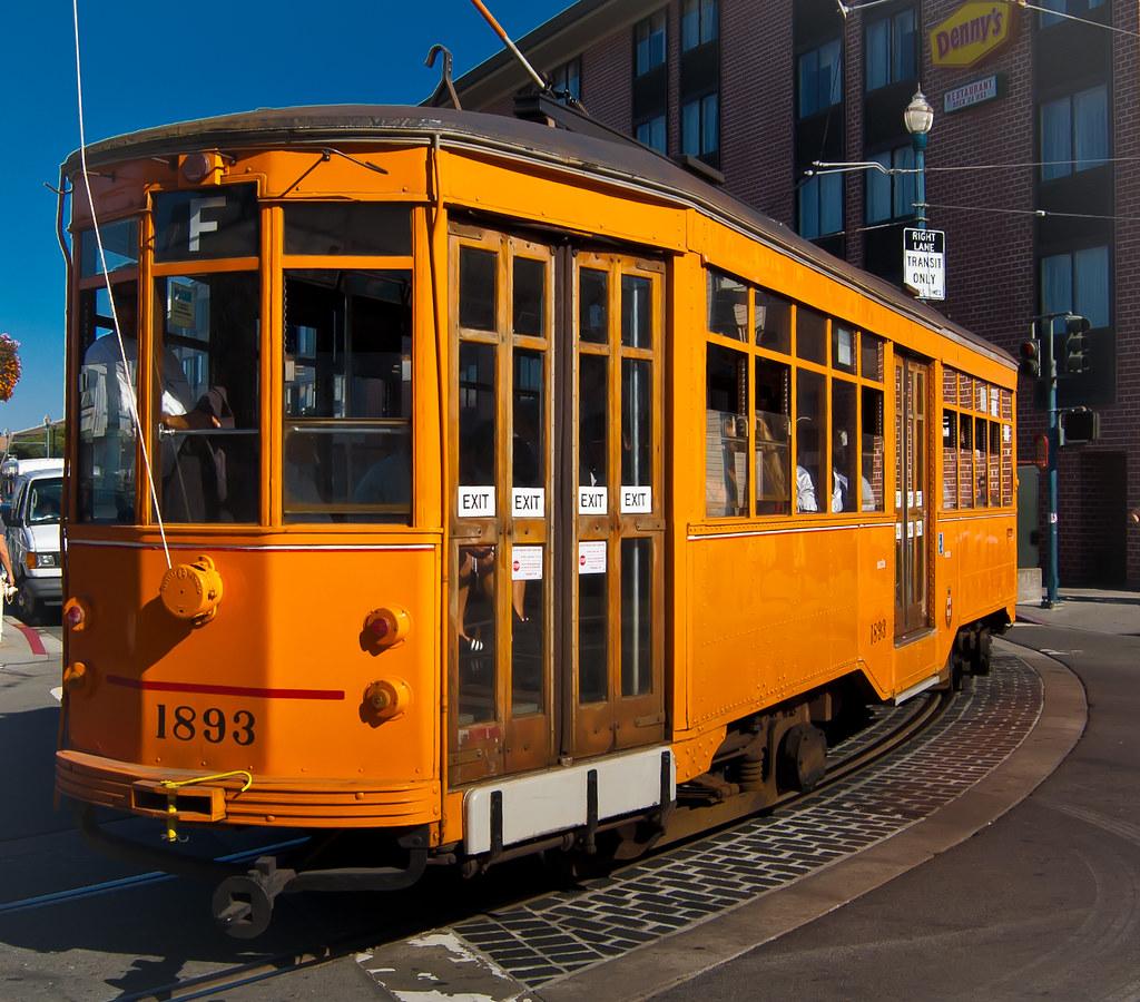 USA / California / San-Francisco / Yellow Tram 02