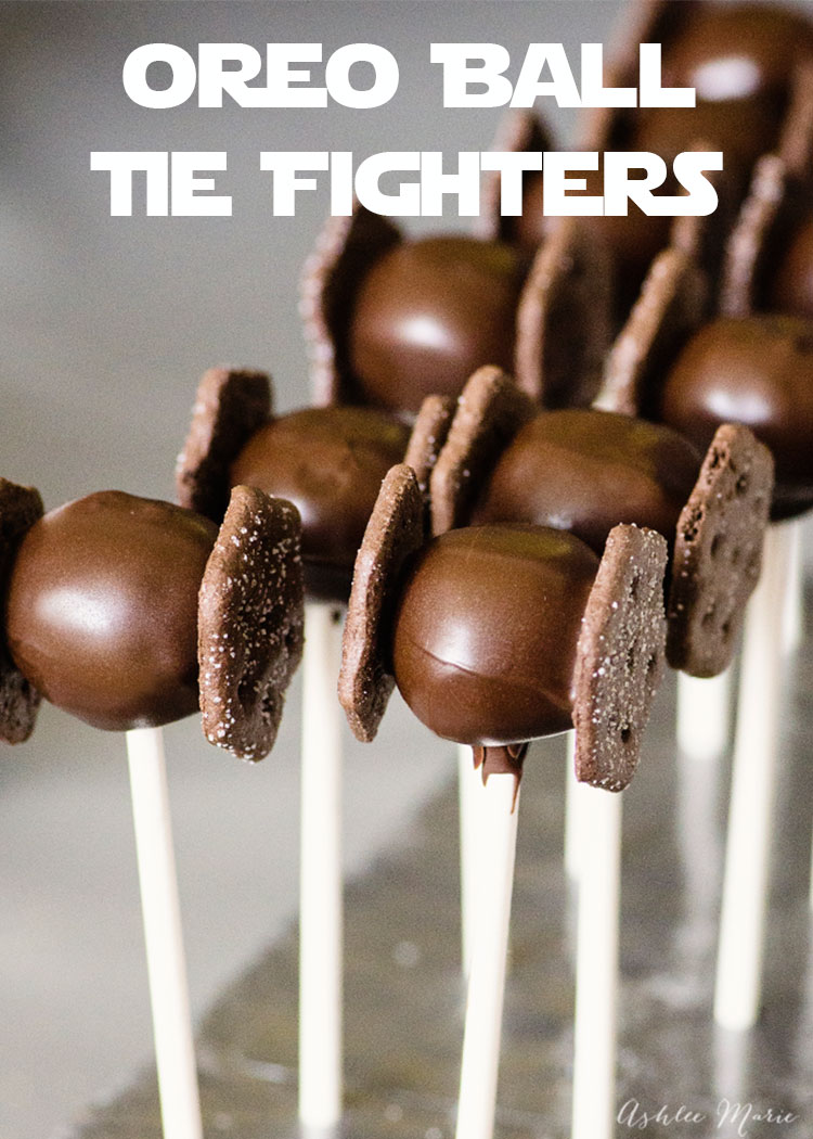 these TIE fighter oreo pops are perfect for a Star Wars birthday party - video tutorial