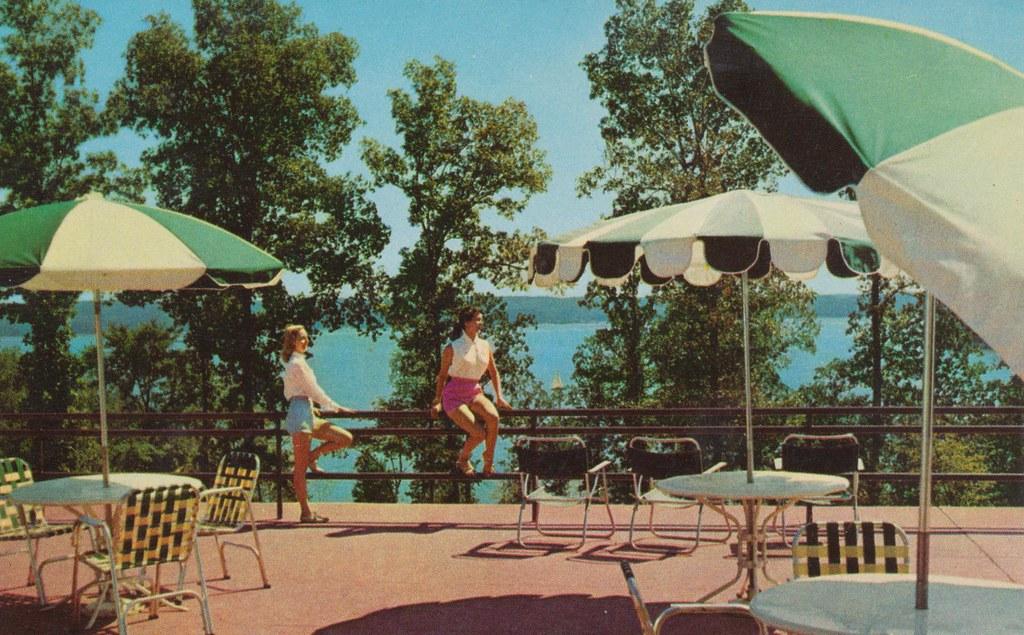 Garden Kenlake Hotel - Hardin, Kentucky