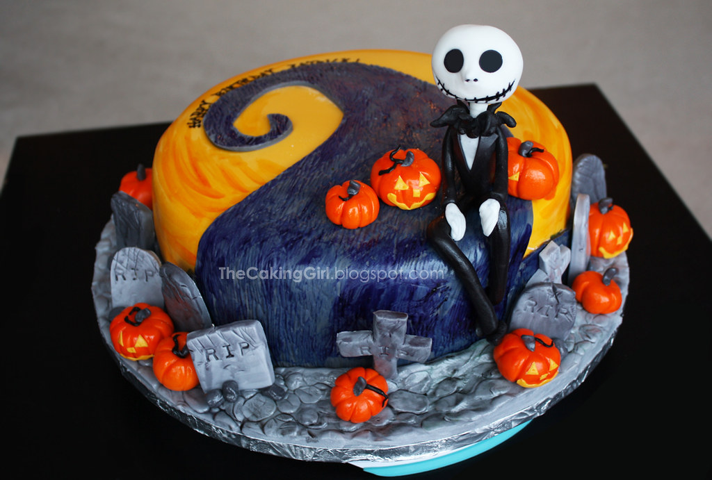 nightmare before christmas cake by thecakinggirlca
