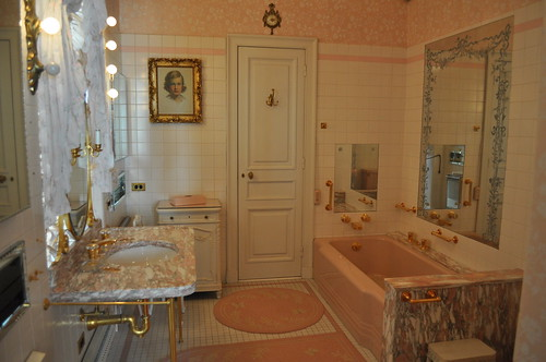 Ultimate pink bathroom alison rice flickr for Ultimate bathrooms