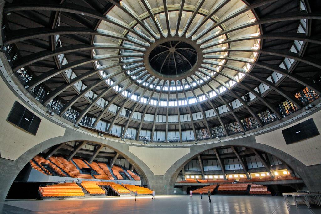 A l'intérieur de la Halle du centenaire à Wroclaw en Pologne.