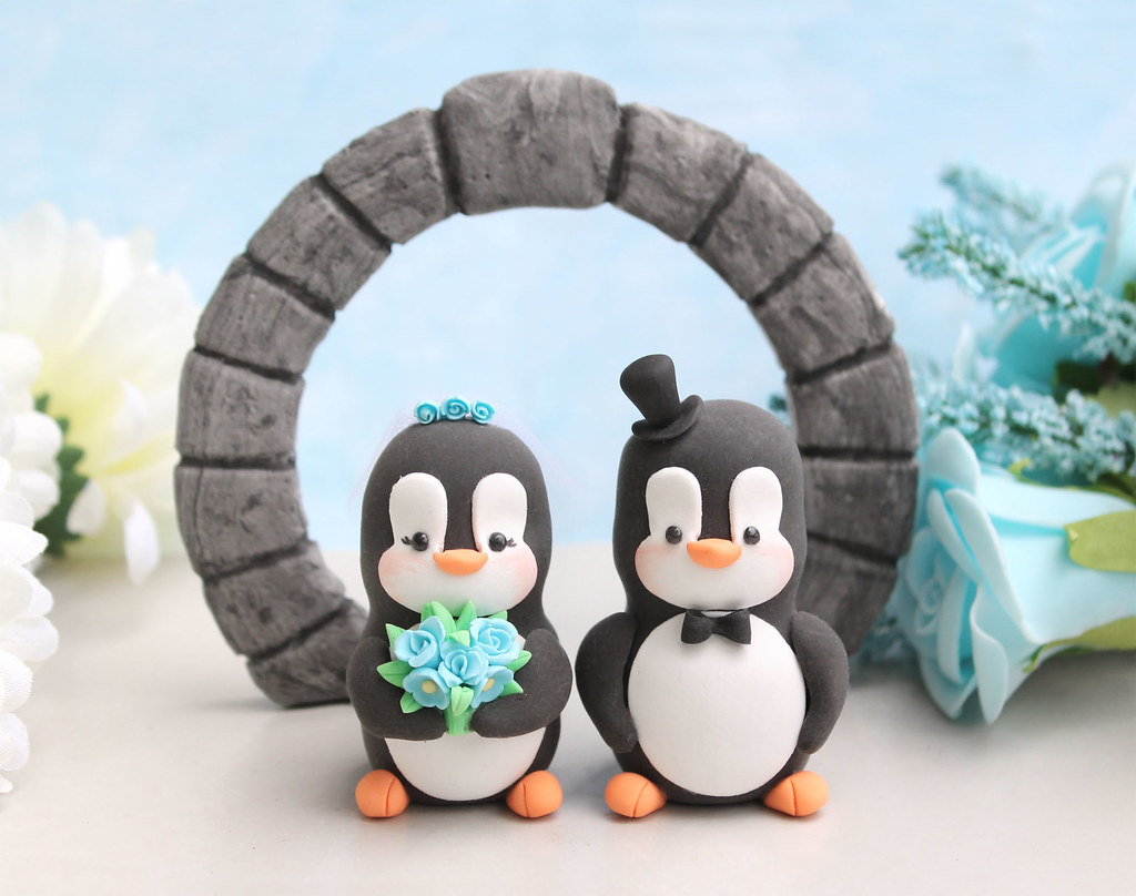 Moongate wedding cake topper and Penguins | Penguins wedding… | Flickr