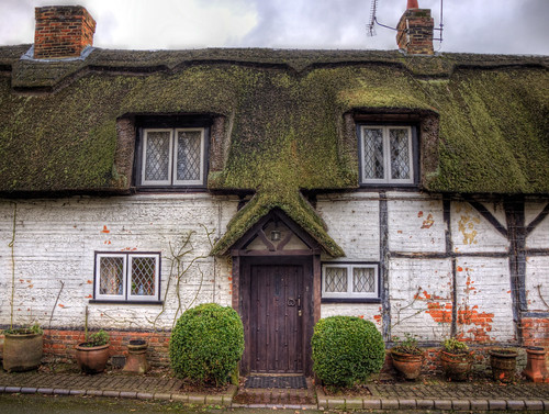 A thatched cottage near Sutton Scotney | by neilalderney123