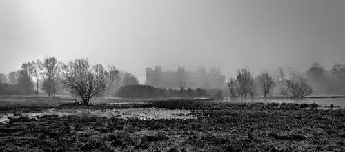 Blinding Sun Burning Fog and a Castle | by Thornberry!