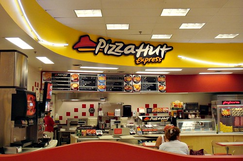 Pizza Hut Express at Newington TARGET | by The Caldor Rainbow
