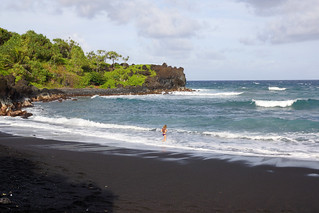 2012-02-10 02-19 Maui, Hawaii 527 Road to Hana, Wai'Anapanapa State Park, Beach | by Allie_Caulfield