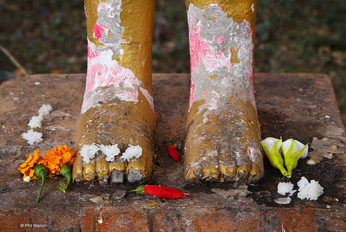 Offering - Royal Palace in Phnom Penh, Cambodia | by Phil Marion