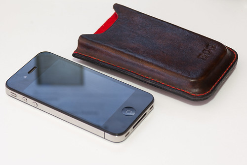 White Iphone Wallet Case