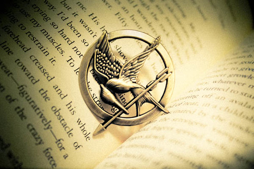The symbol of the revolution. The Mockingjay. | by NICHXAV.