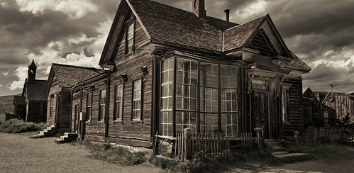 This ole house was home and comfort - HDR | by mokastet