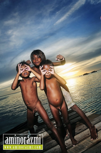 Sea Gypsy kids