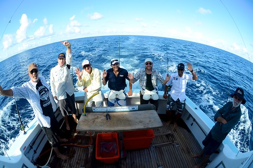 6 fishermen and Terry | by Tourism Queensland