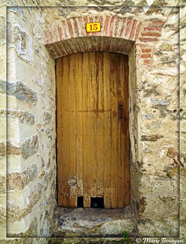 vieille porte en bois au num ro 15 marie bousquet flickr