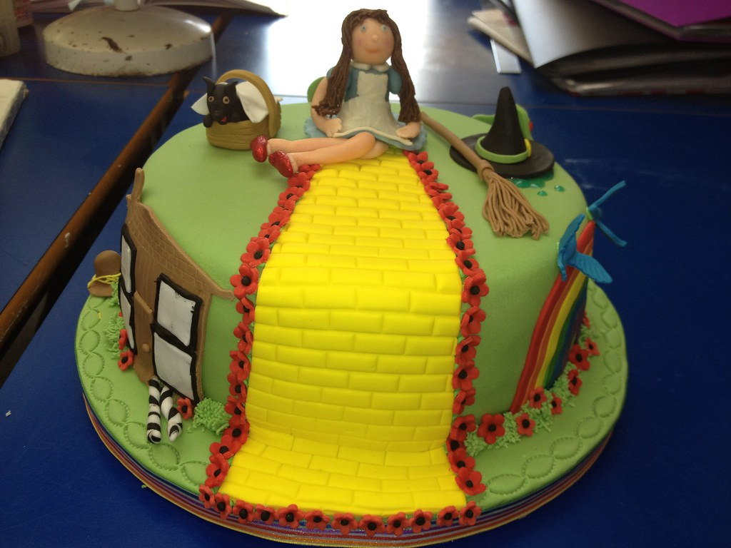 Wizard Of Oz Cake This Was Made For My Abc Nvq Level 1 Cak Flickr