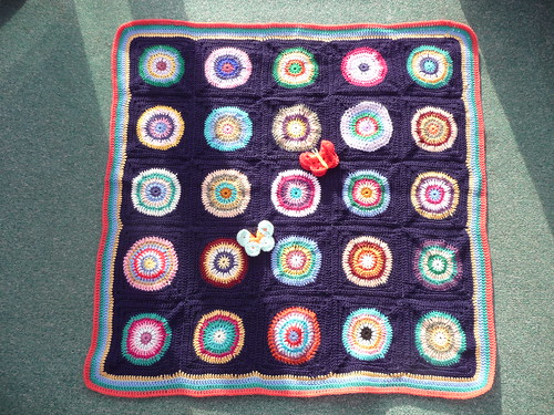 This is a gorgeous Blanket. Circles within Squares! Beautiful colours and so kind of you thank you joyce28! | by MRS TWINS/SIBOL 'Sunshine International Blankets
