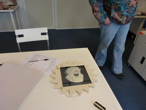 Gravure sur miroir gravure au laser sur miroir de la for Gravure sur miroir