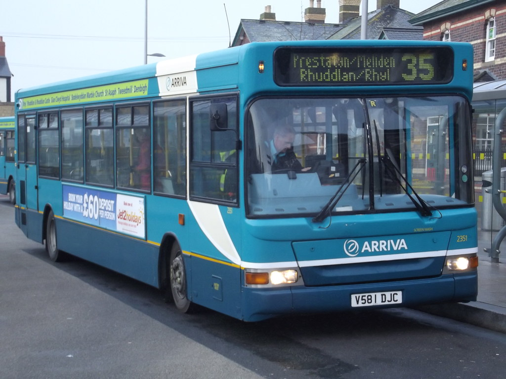 ... Arriva Buses Wales/Cymru 2351 V581DJC | by Alan Sansbury