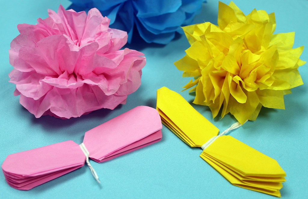 Watch how to make tissue paper flowers video click here to flickr watch how to make tissue paper flowers video by nashvillewraps mightylinksfo