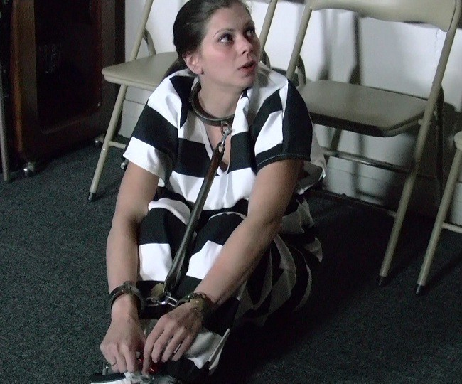 Restrained female Alyssa Lynn endures tits torture and and being hung № 1218941 загрузить