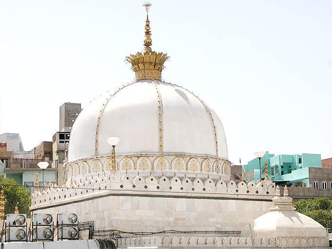 A beautiful tomb of hazrat khwaja garib nawaz dargah cons flickr a beautiful tomb of hazrat khwaja garib nawaz dargah constructed by the sultan of mandu thecheapjerseys Images
