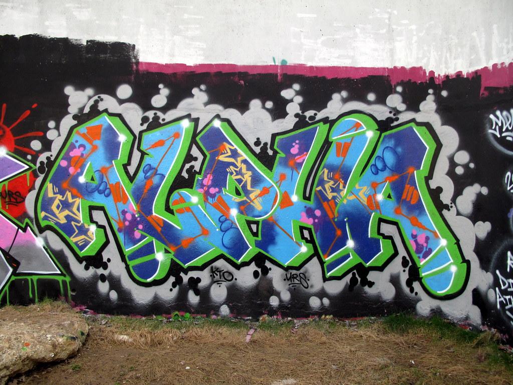 Alpha Graffiti Trellick Tower By Duncan