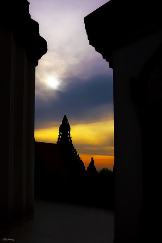 A frame in Buu Long pagoda | by -clicking-