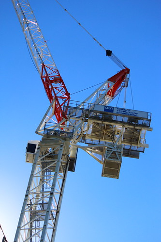 Mobile Crane Terminology : Terex comedil ctl luffing jib tower crane at a