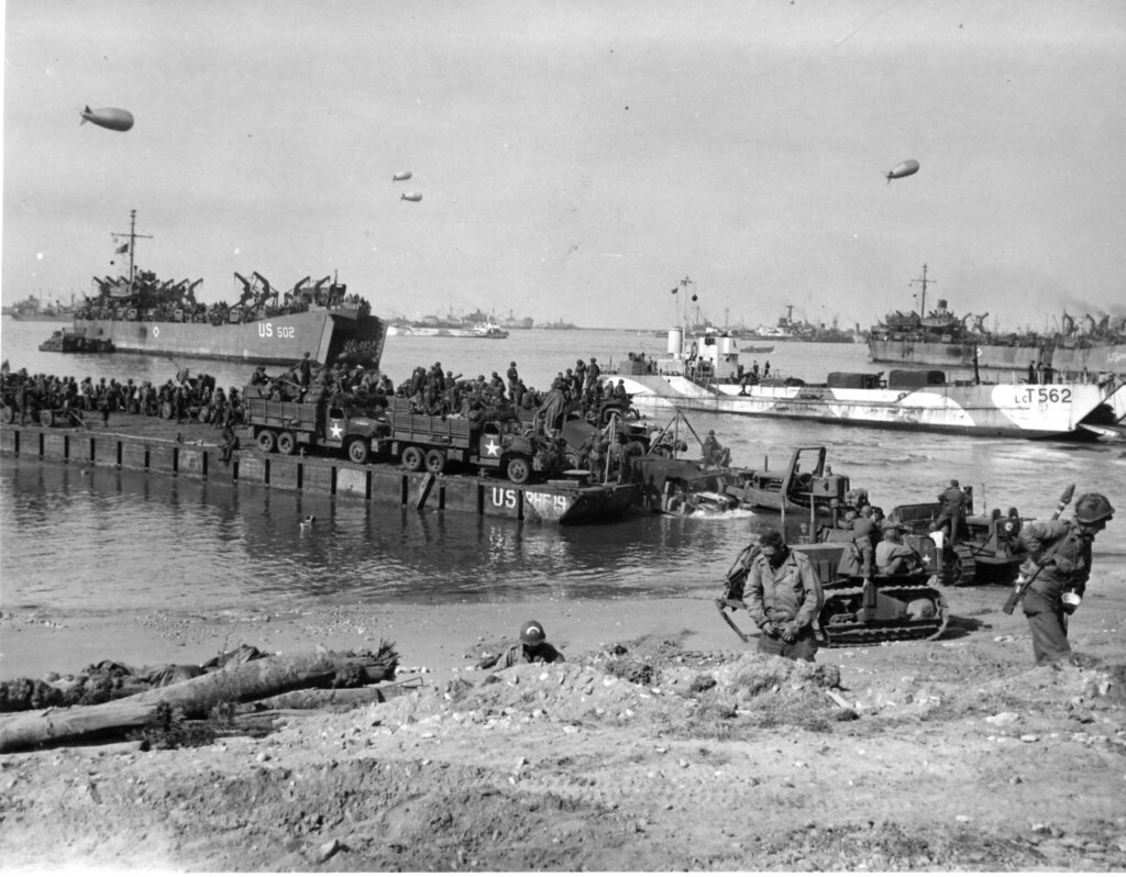 seabees landing on d day wwii description the 111th nava flickr