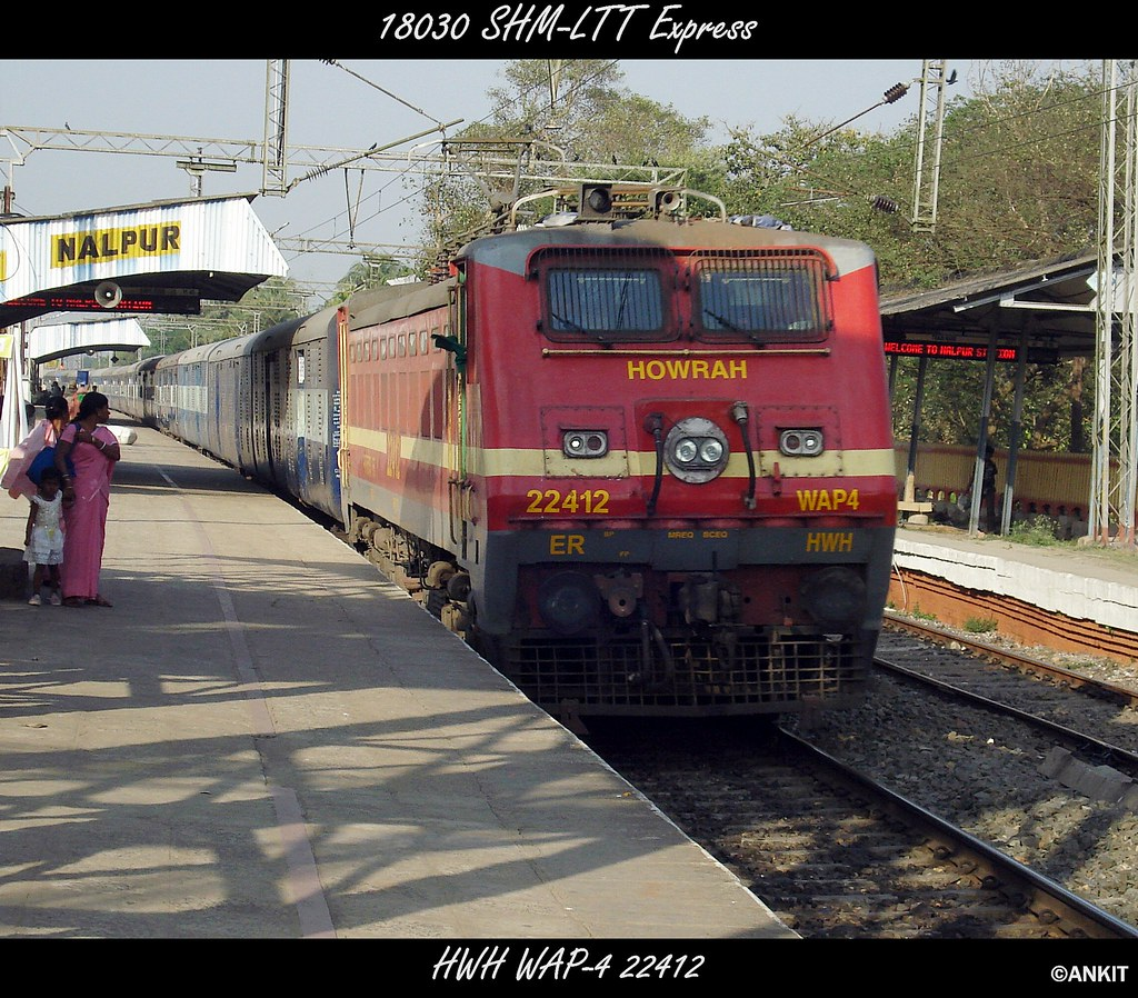 ... 18030 SHM-LTT Express crosses Nalpur with HWH WAP-4 (ex WAP-