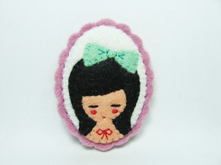 The girl who loves mint ribbons felt brooch | by hanaletters