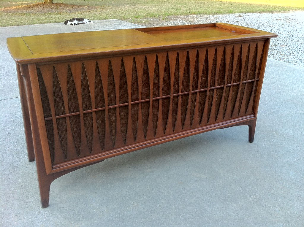 Vintage19 Something Mid Century Modern RCA Console Stereo